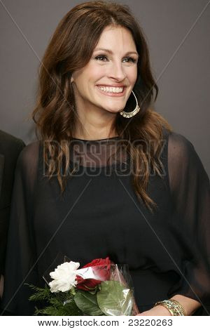 SAN SEBASTIAN, SPAIN - SEP 20: Julia Roberts at the 58th International Film Festival San Sebastian on September 20, 2010 in San Sebastian, Spain