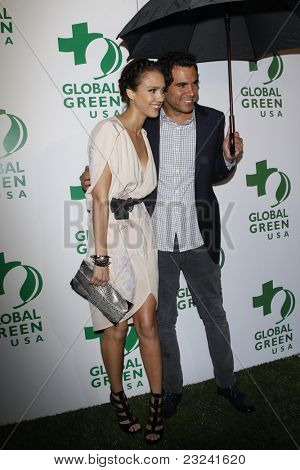 LOS ANGELES - MAR 3: Jessica Alba and Cash Warren at the Global Green USA 7th Annual Pre-Oscar Party 'Greener Cities for a cooler Planet at Avalon in Los Angeles, California on March 3, 2010