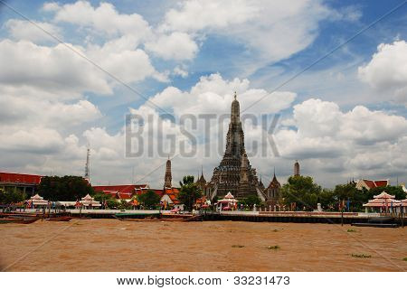 The Wat Arun