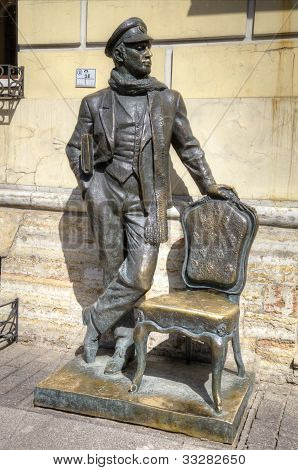 Skulptur von Ostap Bender in St. Petersburg, Russland.