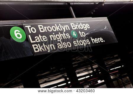 Sinal de metrô de Nova York de Brooklyn