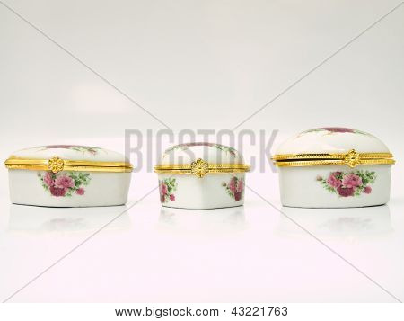 A Ceramic Cases For Keeping Either Lozenge Or Pastille For Lady