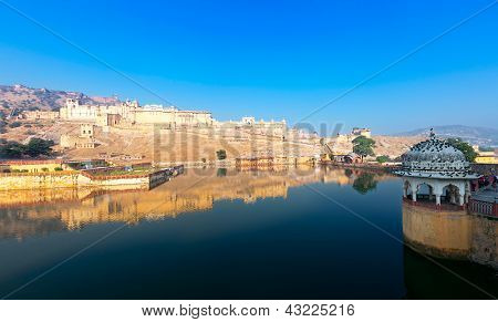 Maota Lake And Amber Fort