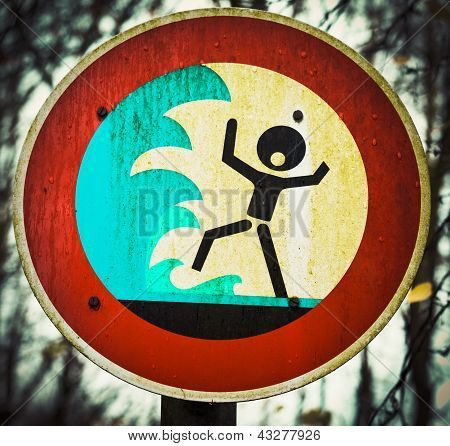 Screaming person flashflood tsunami warning sign