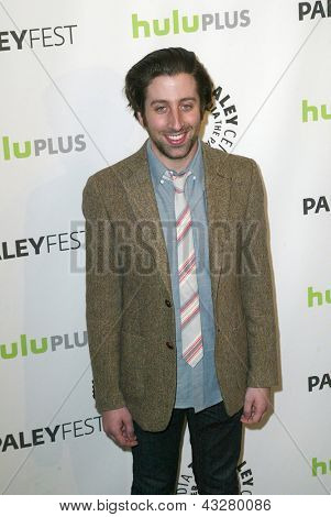 BEVERLY HILLS - MARCH 13: Simon Helberg arrives at the 2013 Paleyfest