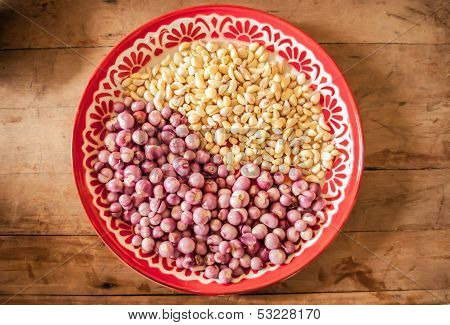 Red Onion And Garlic In Salver.