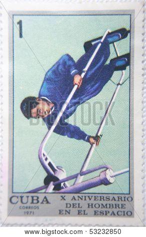 CUBA - CIRCA 1971: stamp printed by CUBA shows astronaut En El Espacio