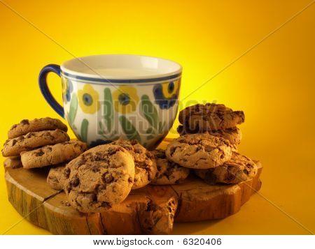 leche y galletas