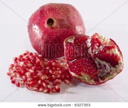 Pomegranate: Whole Fruit, Pith and Arils