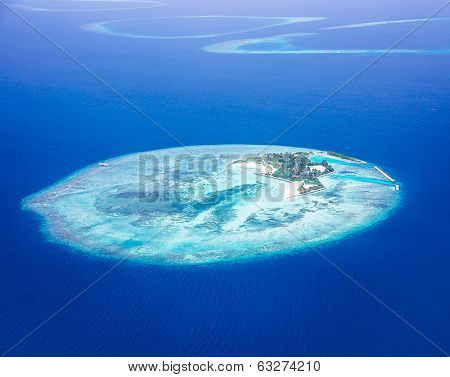 Islands aerial view, beautiful blue sea around Maldives islands, beauty of nature, exotic tourism, summer vacation, bird eye gorgeous panorama