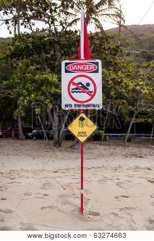 Australian marine stinger warning sign