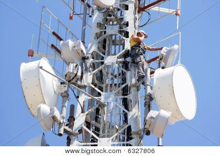 Hombre de telecomunicación