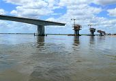 image of trans  - Construction of a bridge over the Zambezi river - JPG