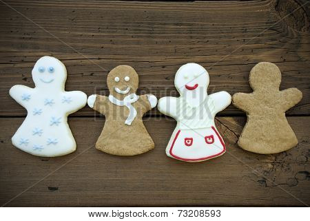 Four Ginger Bread Women