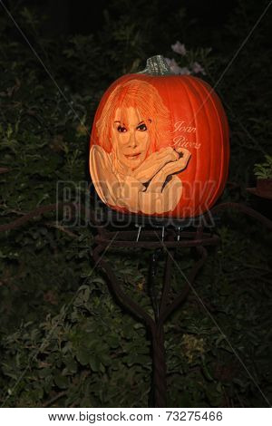 LOS ANGELES - OCT 4:  Joan Rivers Carved Pumpkins at the RISE of the Jack O'Lanterns at Descanso Gardens on October 4, 2014 in La Canada Flintridge, CA