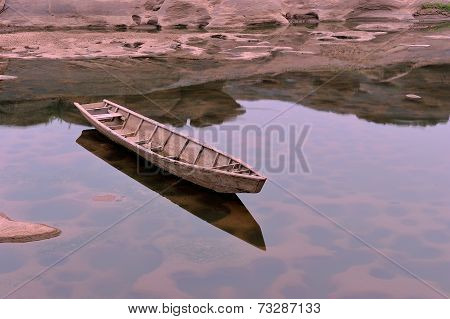 The Boat in Meakong River