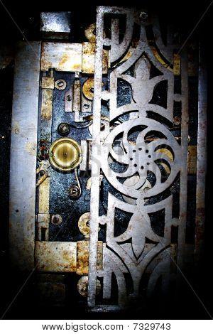 Flourished lock