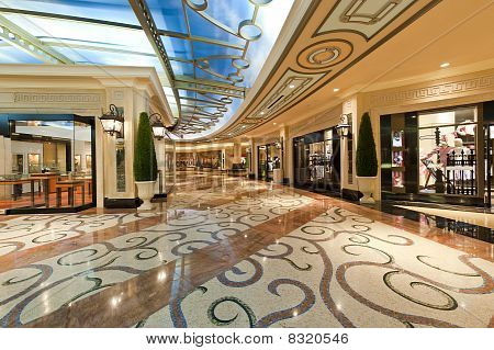 Modern Luxury Shopping Mall