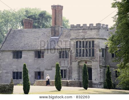 views from the heart of england way footpath baddesley clinton w