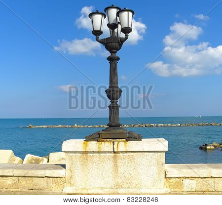 Characteristic lampposts of the promenade of Bari.