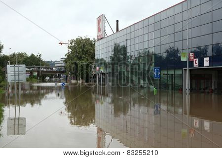 PRAGUE, CZECH REPUBLIC - JUNE 3, 2013: Supermarket Kaufland flooded by the swollen Vltava River in Prague, Czech Republic.