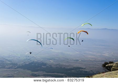 Paragliders showing their amazing skill