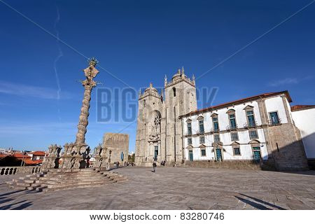 Porto Cathedral or Se Catedral do Porto and the Pillory in the Cathedral Square aka Terreiro da Se. Romanesque and Gothic architecture. Unesco World Heritage Site