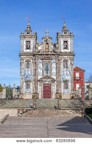 Santo Ildefonso Church in the city of Porto, Portugal. 18th century Baroque architecture, covered with the typical Portuguese blue tiles called Azulejos. Unesco World Heritage Site