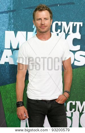 NASHVILLE, TN-JUN 10: Singer Dierks Bentley attends the 2015 CMT Music Awards at the Bridgestone Arena on June 10, 2015 in Nashville, Tennessee.