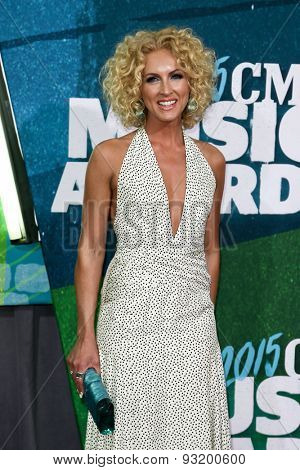 NASHVILLE, TN-JUN 10: Singer Kimberly Schlapman of Little Big Town attends the 2015 CMT Music Awards at the Bridgestone Arena on June 10, 2015 in Nashville, Tennessee.