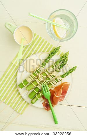 Green Asparagus Skewers With Spaghetti