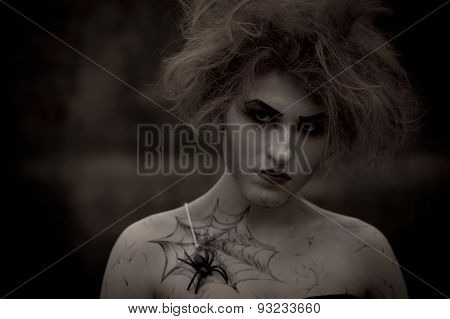 Gothic girl with spider