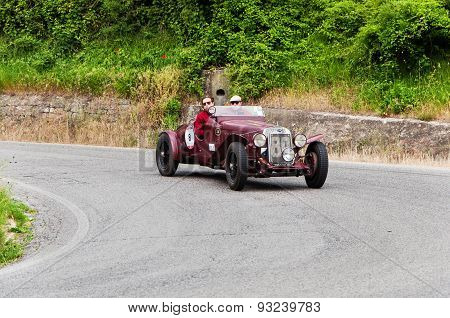 old car O.M. 665 SS MM Superba 2200 1930mille miglia 2015