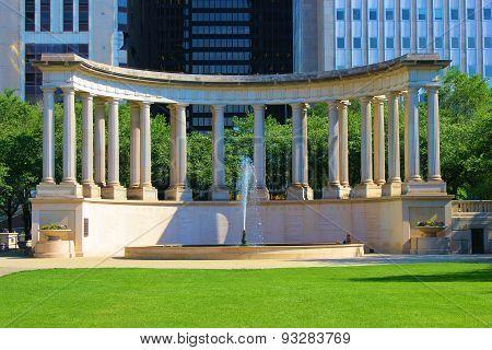 Chicago Park Columns