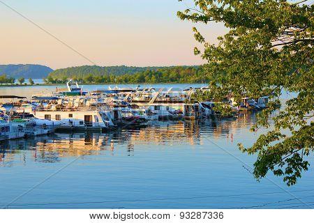 Midwest Lake Marina