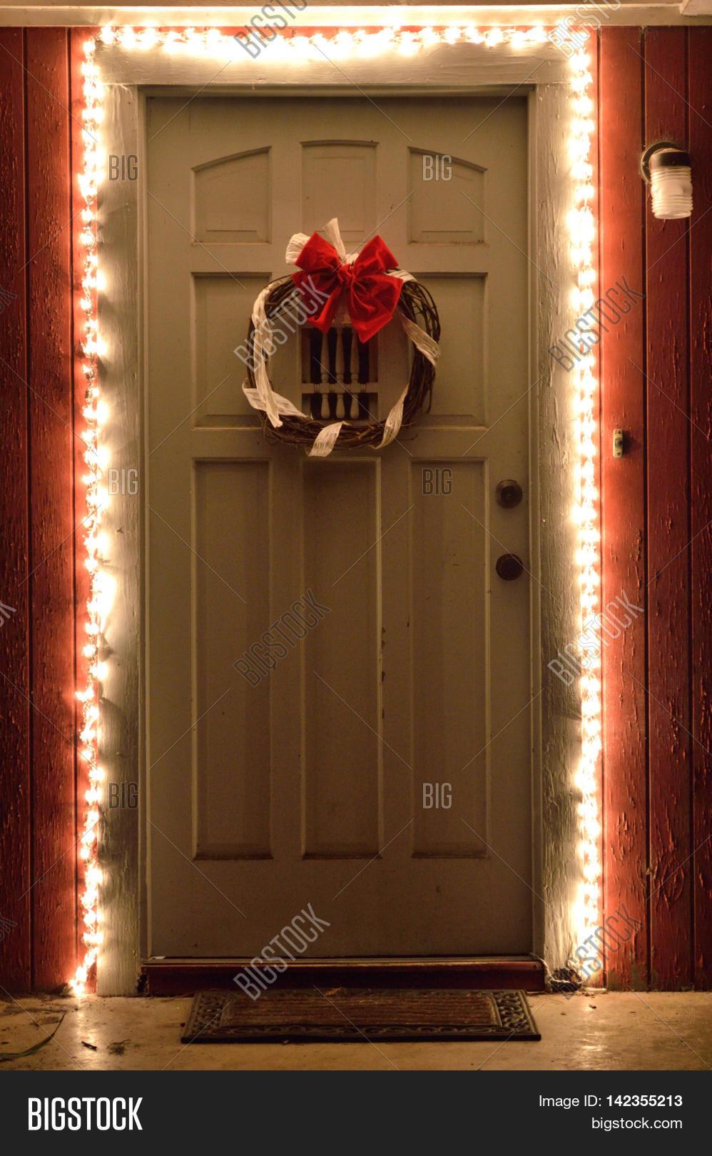 Front door christmas lights - Christmas Lights And Wreath On Front Door At Night