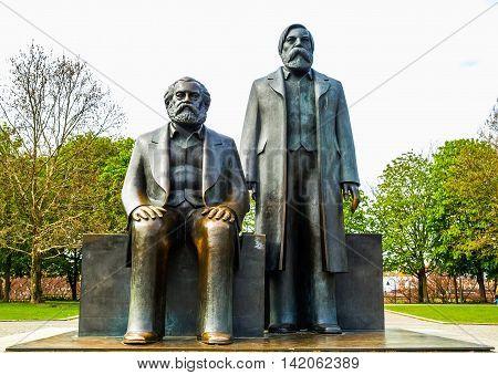 Marx-engels Forum Statue Hdr