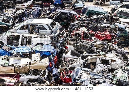 Indianapolis - Circa August 2016 - A Pile of Stacked Junk Cars - Crushed and Discarded Junk Cars Piled Up VI