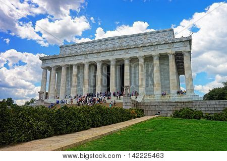 Tourists Near Lincoln Memorial In Washington Dc Usa