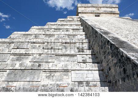 Chichen Itza Kukulkan pyramid El Castillo, Mexico