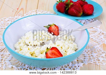 Home Dietary Fat Cottage Cheese Beaded Curd with Strawberry Studio Photo