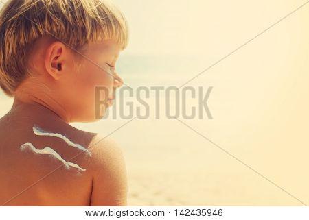 Suntan Boy Sign Wave Sun Cream Sea Background