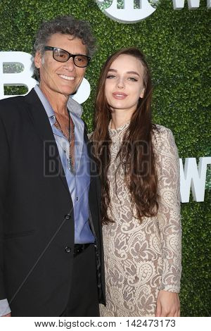 LOS ANGELES - AUG 10:  Steven Bauer, date at the CBS, CW, Showtime Summer 2016 TCA Party at the Pacific Design Center on August 10, 2016 in West Hollywood, CA