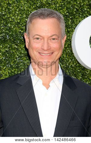 LOS ANGELES - AUG 10:  Gary Sinise at the CBS, CW, Showtime Summer 2016 TCA Party at the Pacific Design Center on August 10, 2016 in West Hollywood, CA