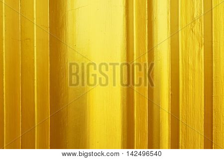 Surface layers of the shiny gold metalic.
