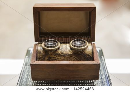 Old wooden stereogram viewer built in wooden box. XIX Century