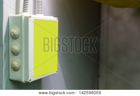 Electricity warning box
