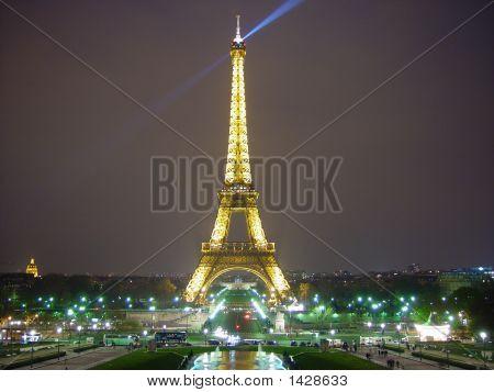 Eiffel Tower 507