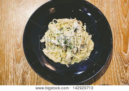 Alfredo Pasta With Chicken And Mushrooms