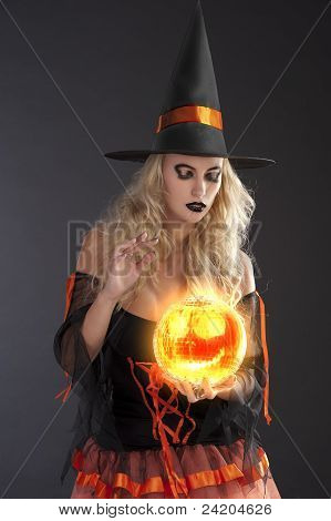 The Orange Witch Fortune Telling